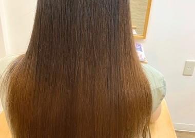 傷まない縮毛矯正!かなり強いくせ毛と毛先のダメージを改善!サムネイル